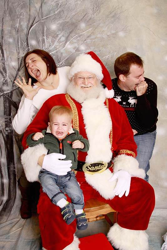 family-santa-cry-web